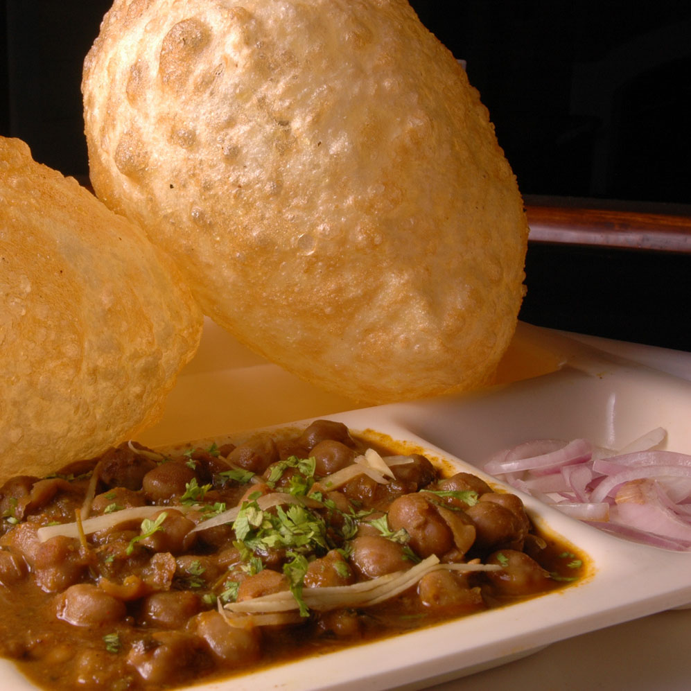 chole bhutre, Indian oven